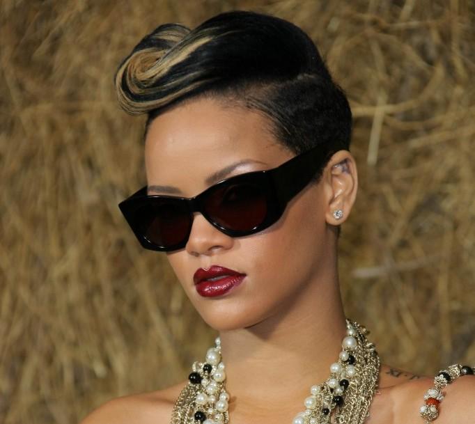 Short hair style for black women