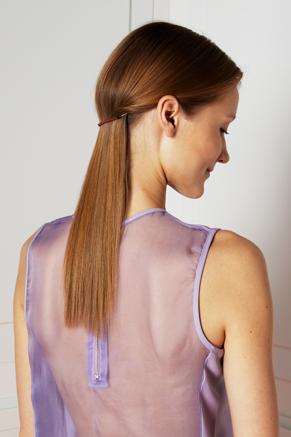 Classy ponytail for long thin hair