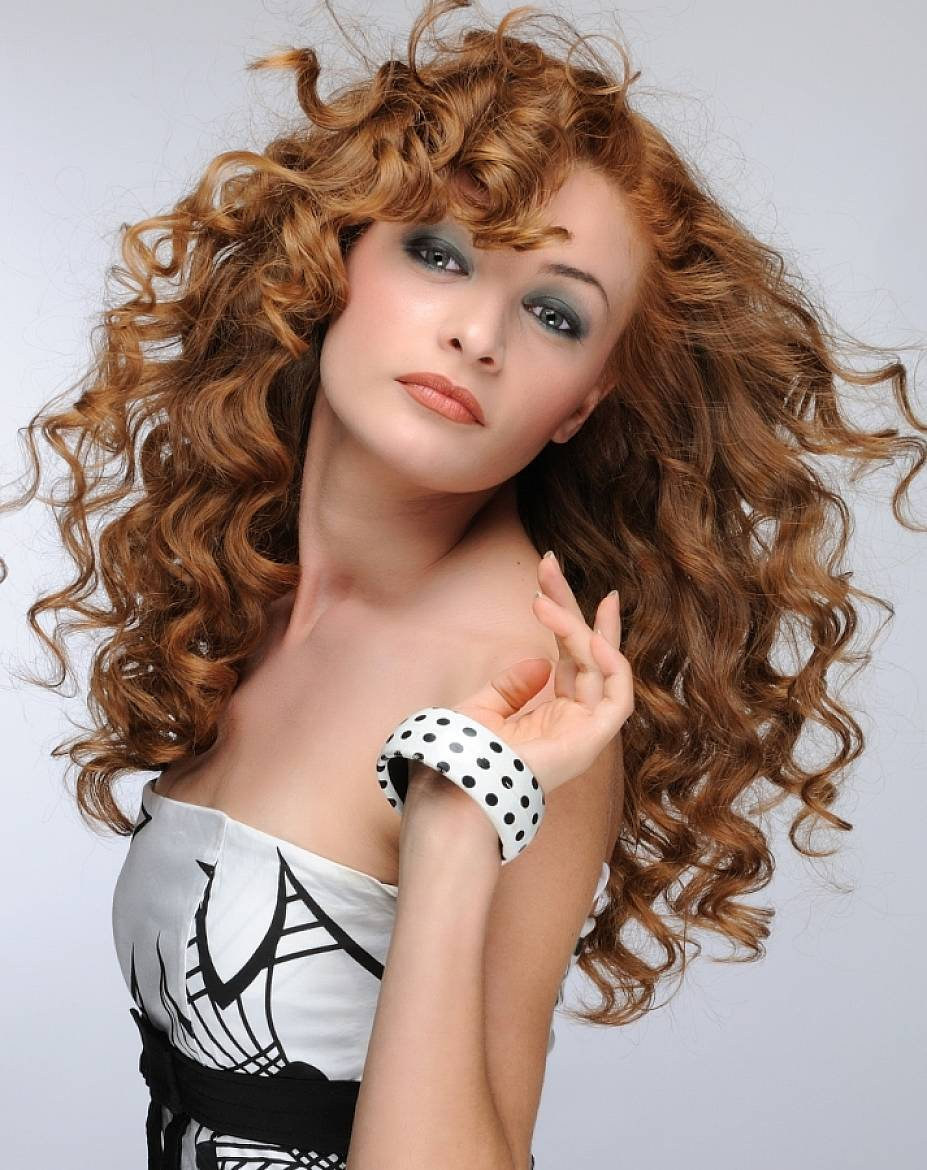 Try This Cute Hairstyles For Curly Hair - Latest Hair Styles - Cute & Modern Hairstyles For Men ...