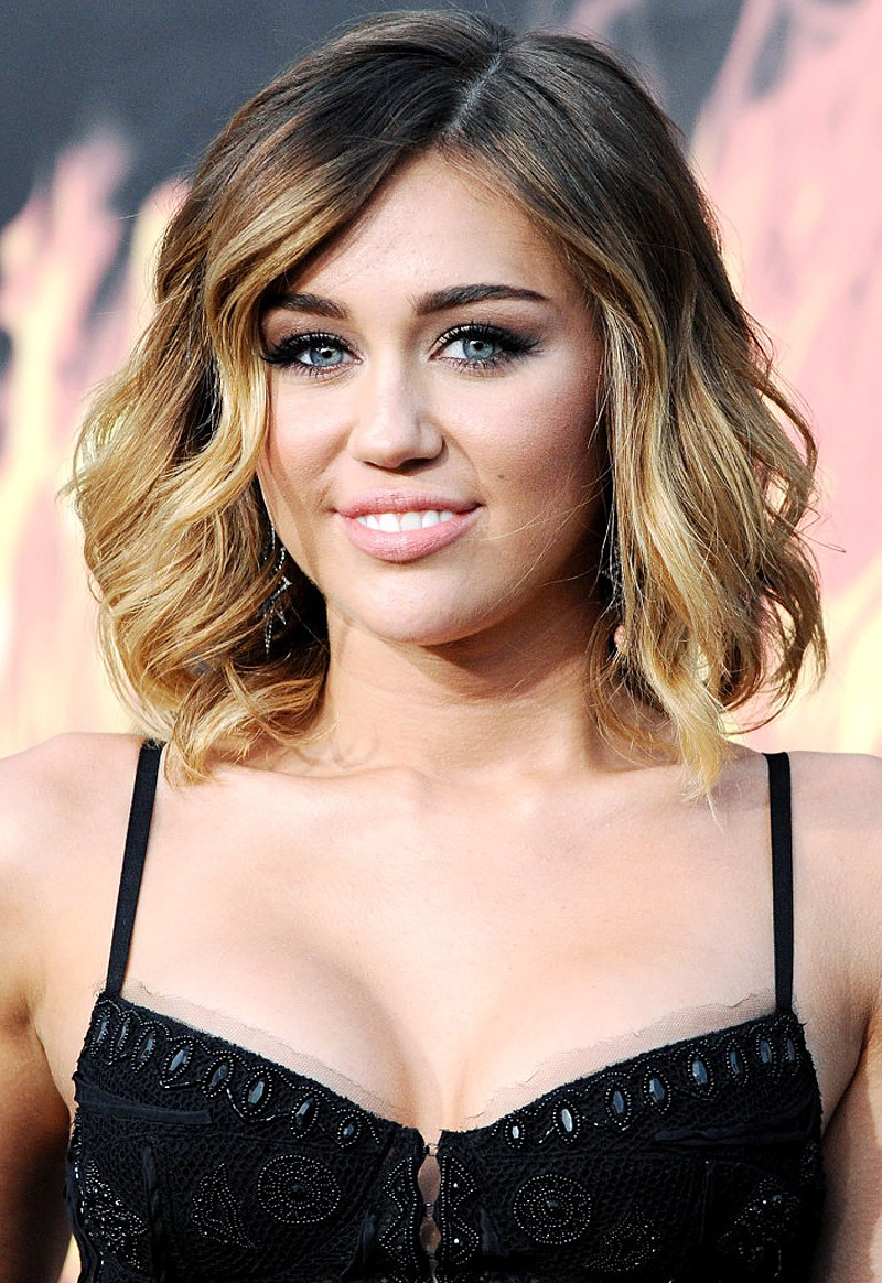 14 Cute Hair Styles For Shoulder Length Hair - Latest Hair Styles - Cute & Modern Hairstyles For ...