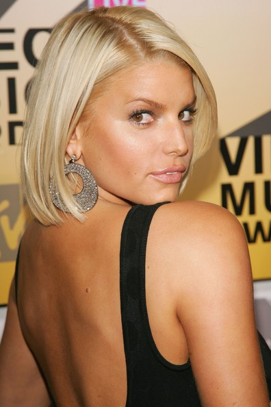 Jessica Simpson Short Straight Bob Haircut 02 Latest