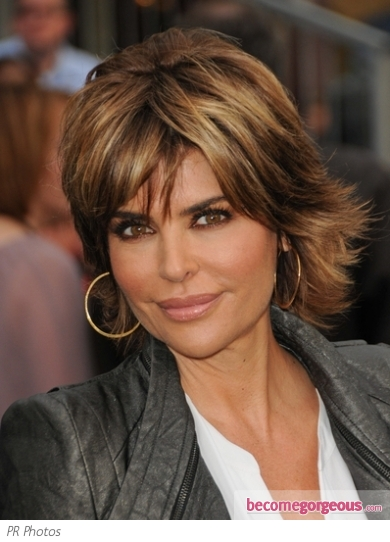Lisa Rinna Medim Short Straight Hairstyle