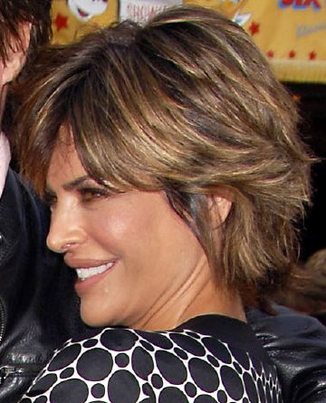 Lisa Rinna Short Medium Straight Hairstyle