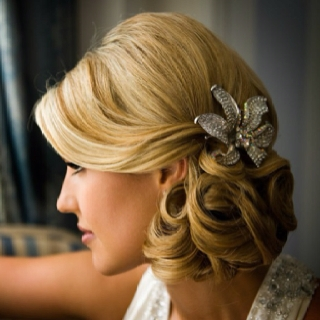 Side Bun Hair Designs For Weddings with Cute Accessory - Latest ...
