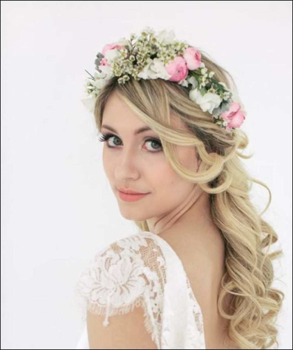 Wedding Hair Style Side: Side Ponytail Wedding Hairstyle With Flowered Headband_02