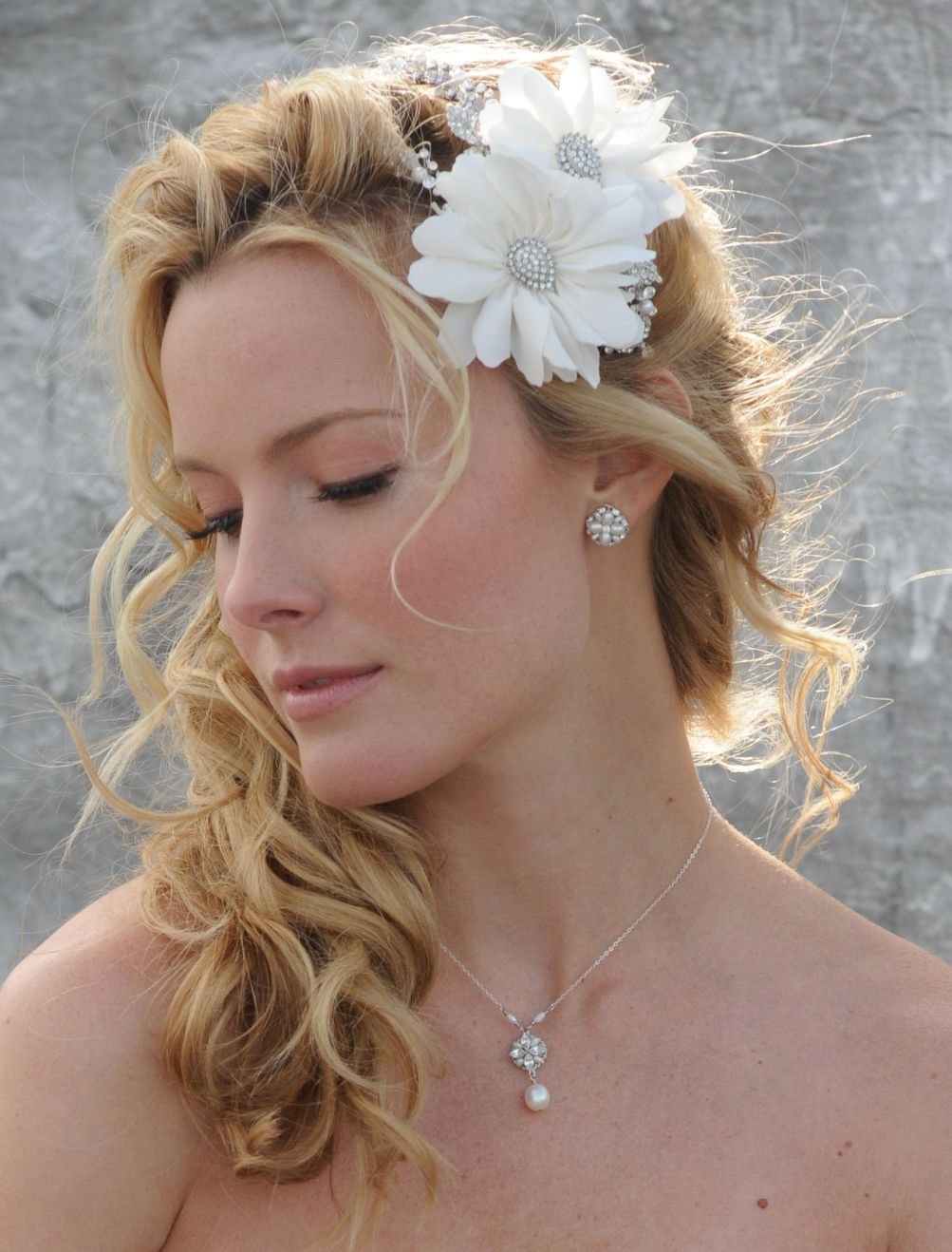 Side Ponytail Wedding Hairstyle with Flowered Headband_05 - Latest Hair Styles - Cute & Modern ...