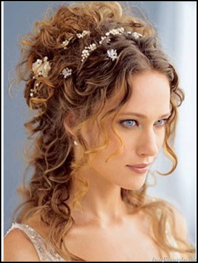 the best beach wedding day hairstyles for women | latest hair