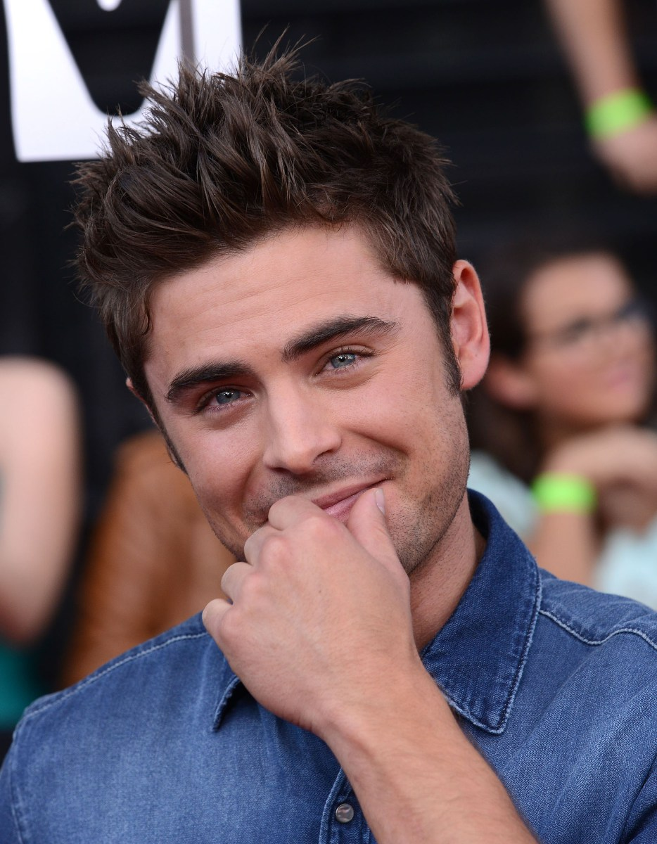 Zack Efron Fauxhawk Hairstyles_04