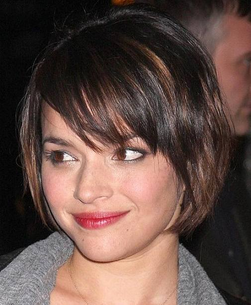 Cute Bob Haircuts For Round Faces Short Graduated