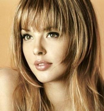 Straight hairstyles for round faces with bangs