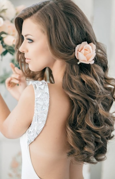 Long Hairstyles for Mother of The Bride