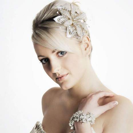 Short pixie hairstyles idea for weddings