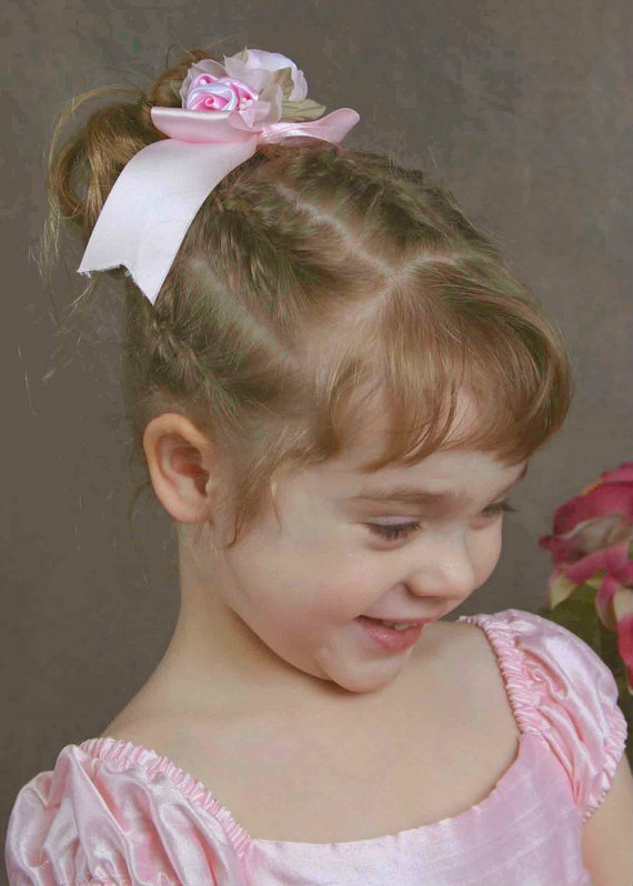 Cute Flower Girl Hairstyles 5