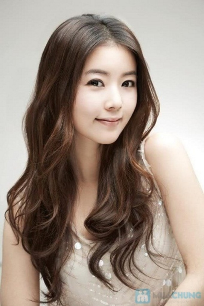 Cutest Korean Hairstyle for Girls 2015 - Lose Waves