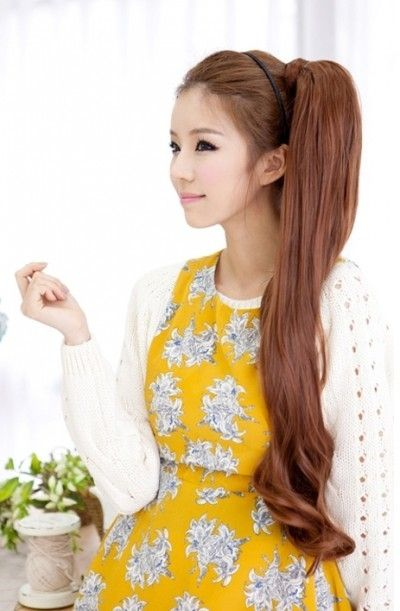 Korean girls hairstyle - Long Side Ponytail