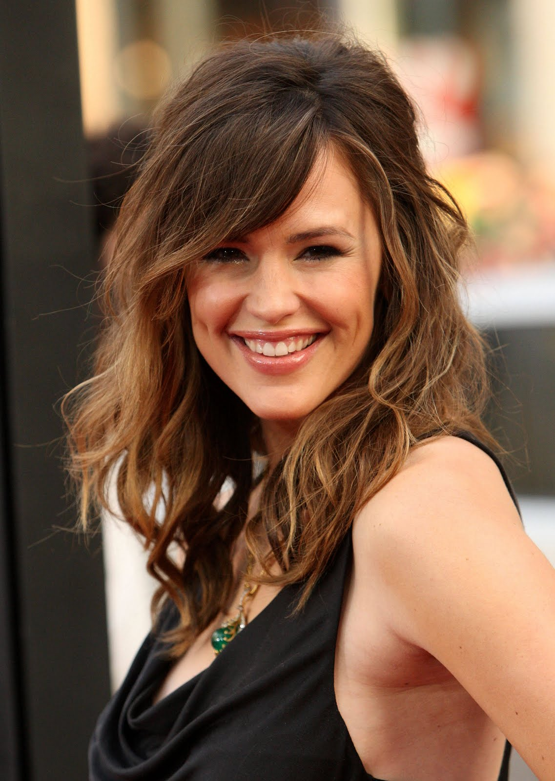 Long Layered Hairstyles With Bangs   Wavy
