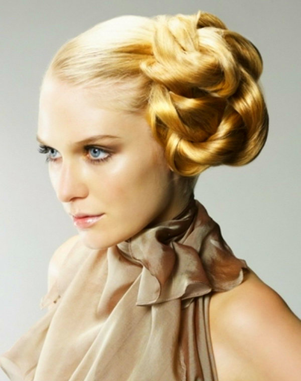 Long Prom Hairstyles for Women 2015 6