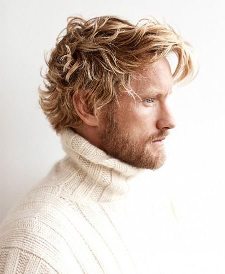 Cool hairstyles for men with curly blond hair